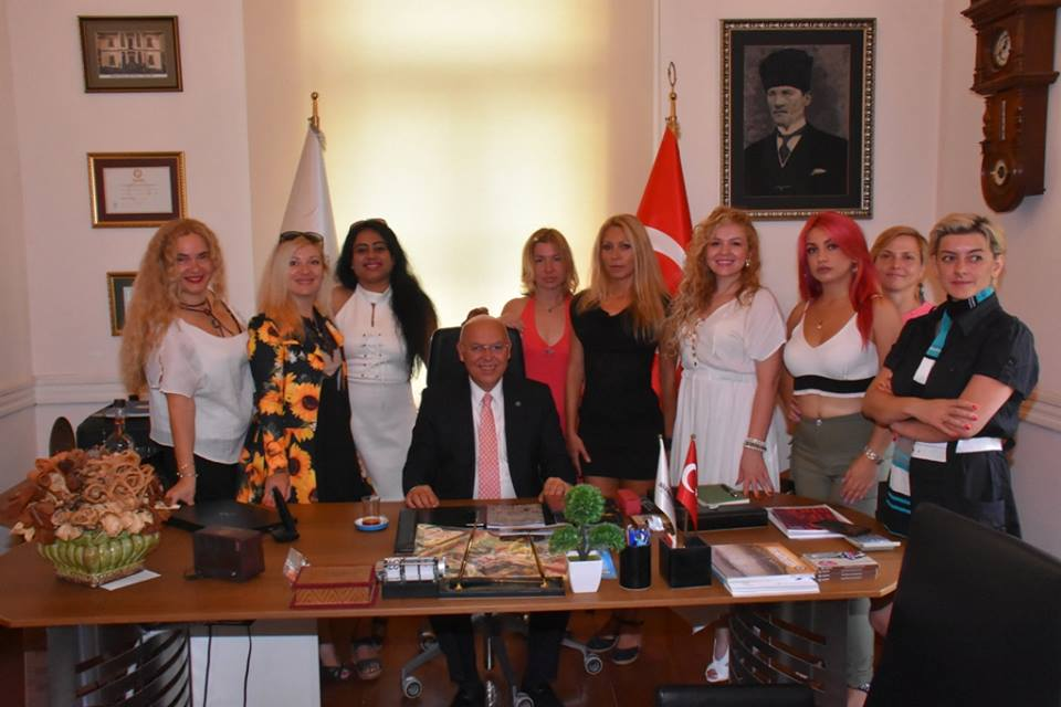 Kadın ressamlardan Eşkinat'a ziyaret