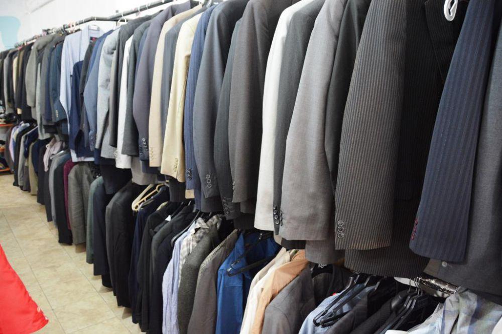 Dost Eli Giyim Mağazası hizmette