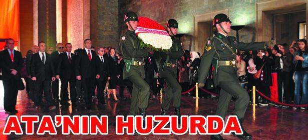 KURTULU�TA ATA'NIN HUZURUNDA